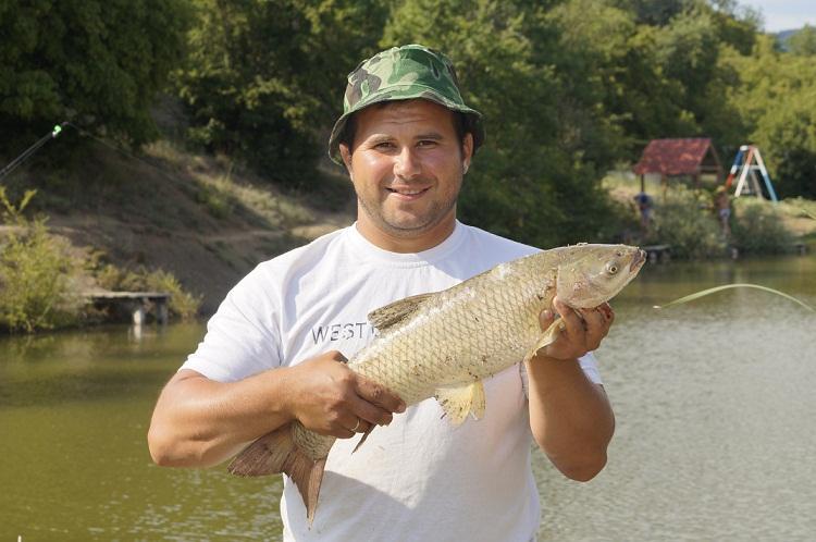 крым рыбалка платные озера
