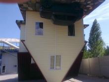 Дом вверх дном в Скадовске