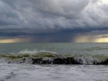 Шторм затопил несколько баз отдыха в Николаевской области